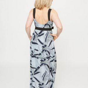 lichtlbauwe-maxi-dress-met-donkerblauwe-bloemenprint-ak