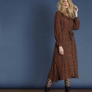 roestbruine-midi-jurk-met-luipaardprint