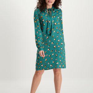 appelgroen-oversized-jurkje-met-luipaardprint