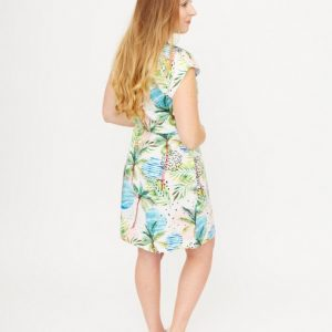 witte-jurk-met-pastelkleurige-natuurprint-ak