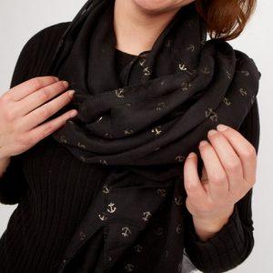 zwarte-shawl-met-goudkleurige-ankertjes-extra