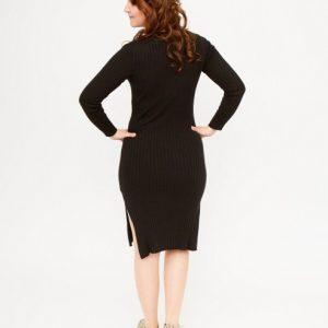 zwarte-midi-jurk-lange-trui-model-ak