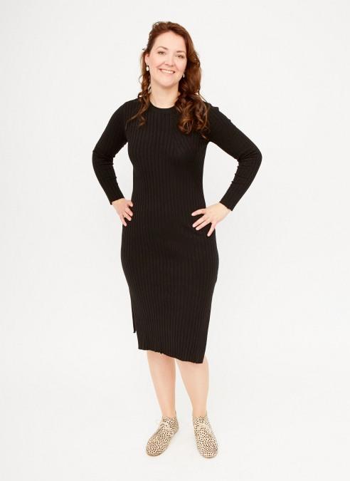 zwarte-midi-jurk-lange-trui-model-vk