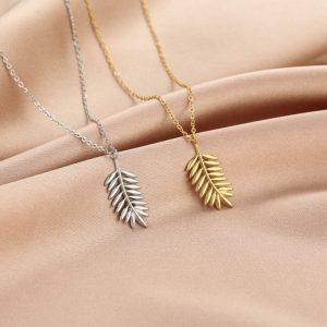 zilverkleurige-en-goudkleurige-ketting-met-romeins-blad-extra-2